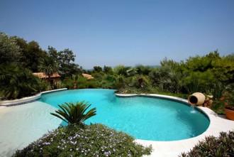 Construction piscine paysagée - Devis sur Techni-Contact.com - 1