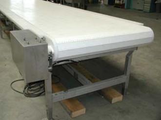 Convoyeur à tapis modulaire plastique - Devis sur Techni-Contact.com - 1
