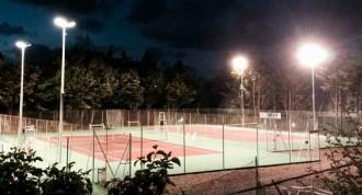 Éclairage sportif pour court de tennis - Devis sur Techni-Contact.com - 3