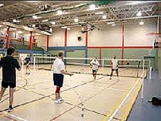 Éclairage terrain de badminton - Devis sur Techni-Contact.com - 1