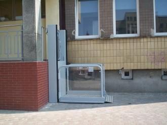 Elevateur handicape électrique à vis - Devis sur Techni-Contact.com - 2