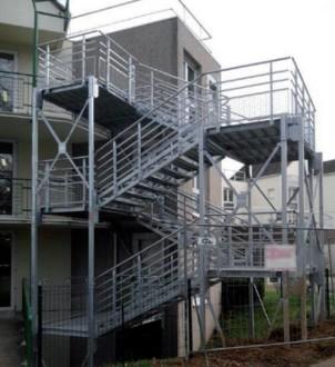 Escalier cube de secours extérieur - Devis sur Techni-Contact.com - 1