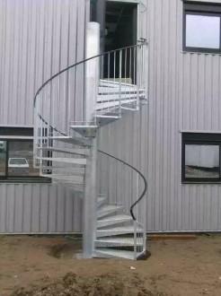 Escalier en colimaçon sur-mesure - Devis sur Techni-Contact.com - 1