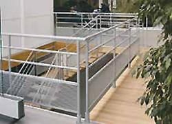 Escalier intérieur alu avec marches en bois - Devis sur Techni-Contact.com - 1