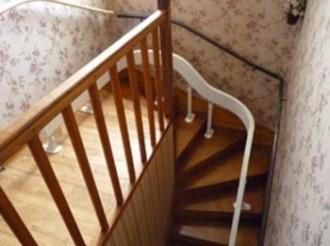 Escalier tournant à rail unique - Devis sur Techni-Contact.com - 1