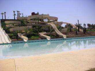 Grand toboggan rapide pour piscine - Devis sur Techni-Contact.com - 1