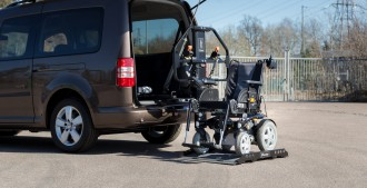 Hayon élévateur pour fauteuil roulant - Devis sur Techni-Contact.com - 1