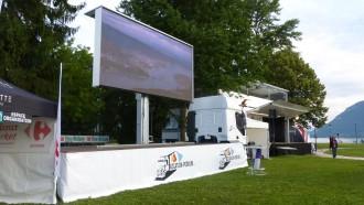Location camion podium avec écran Led - Devis sur Techni-Contact.com - 2