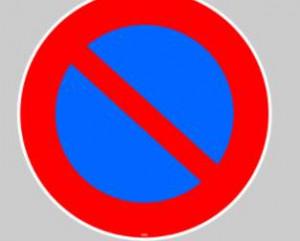 Marquage au sol adhésif interdiction de s'arrêter 40 cm - Devis sur Techni-Contact.com - 1