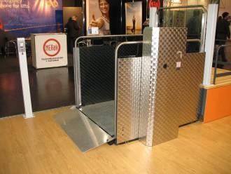 Monte handicapés 250 Kg - Devis sur Techni-Contact.com - 2