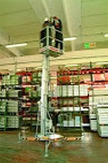 Nacelle à mât télescopique hauteur 7.77 m - Devis sur Techni-Contact.com - 1