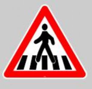Panneau au sol adhésif attention traversée - Devis sur Techni-Contact.com - 1