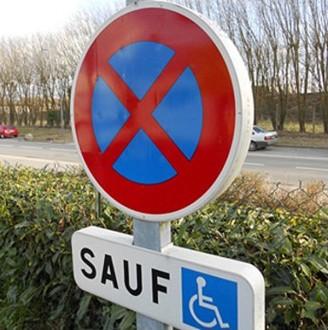 Panneau parking handicapé - Devis sur Techni-Contact.com - 2