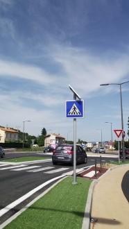 Panneau solaire à Led pour signalisation routière - Devis sur Techni-Contact.com - 2