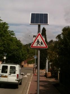 Panneau solaire à Led pour signalisation routière - Devis sur Techni-Contact.com - 3