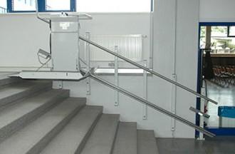 Plateforme monte escalier 300 Kgs - Devis sur Techni-Contact.com - 1