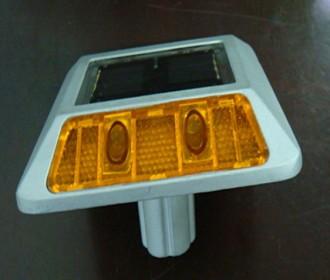 Plot routier à led solaire - Devis sur Techni-Contact.com - 2