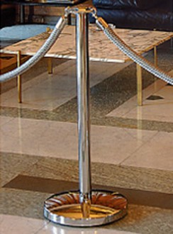Poteau de guidage tête en métal d'alliage chromé - Devis sur Techni-Contact.com - 1