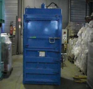 Presse à balles hydraulique pour déchets carton et plastique - Devis sur Techni-Contact.com - 1