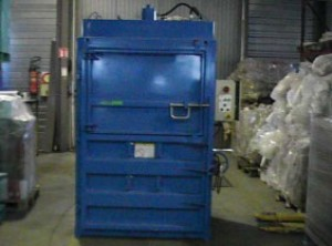 Presse à balles mono caisson pression compactage 24 tonnes - Devis sur Techni-Contact.com - 1
