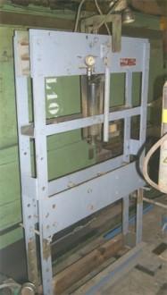 Presse hydraulique d'atelier manuelle Force 30 Tonnes - Devis sur Techni-Contact.com - 1