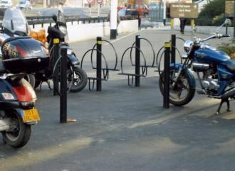 Rack pour moto et scooter - Devis sur Techni-Contact.com - 1