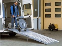 Rampe chargement repliable pour fourgons - Devis sur Techni-Contact.com - 2