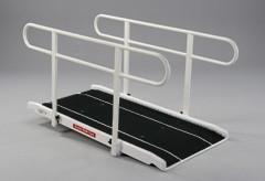 Rampe d'accès handicapé avec double main courante - Devis sur Techni-Contact.com - 1