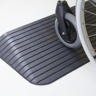 Rampe de seuil handicapés en caoutchouc - Devis sur Techni-Contact.com - 1