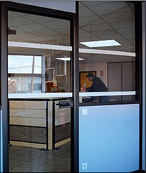 Ruban signalétique vitre adhésif - Devis sur Techni-Contact.com - 1