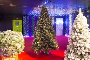 Sapin de Noël pré-éclairé 240 cm - Devis sur Techni-Contact.com - 2