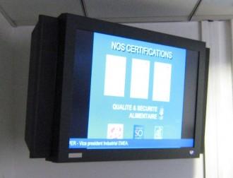 Système d'information sur écran multimédia 26