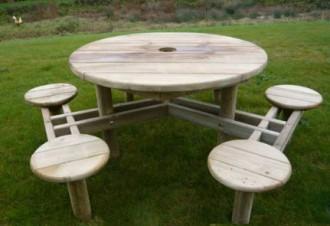 Table design bois pour enfants - Devis sur Techni-Contact.com - 2