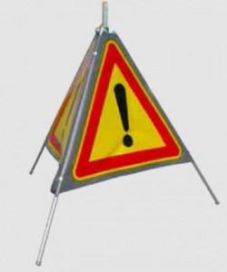 Tripode de signalisation pour délimitation zone - Devis sur Techni-Contact.com - 1