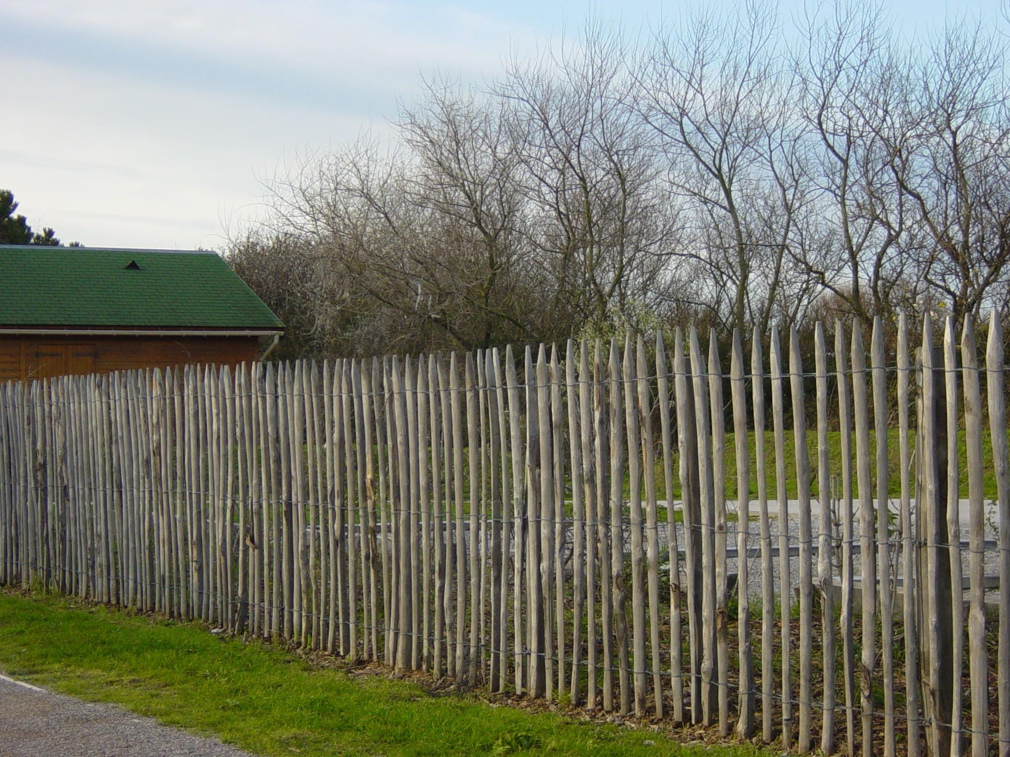 Cloture Bois Hauteur 2M50 clôture en bois châtaigner : commandez sur techni-contact