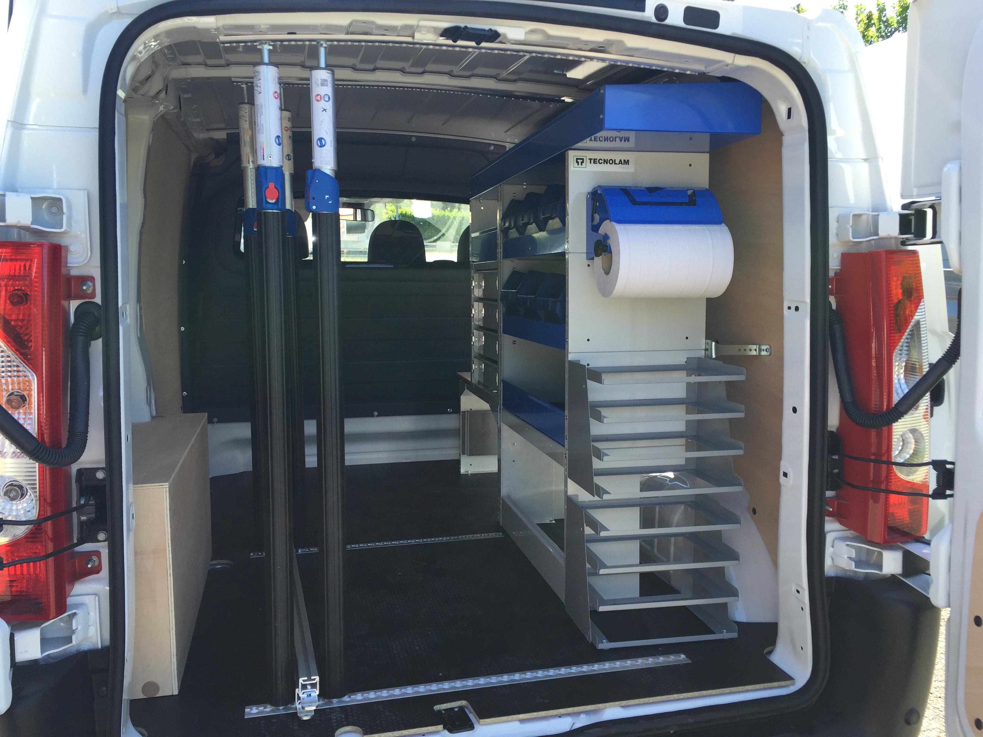 Meuble Salle De Bain Haut De Gamme ~ Amenagement Vehicule Utilitaire Amenagement Fourgon Techni Contact