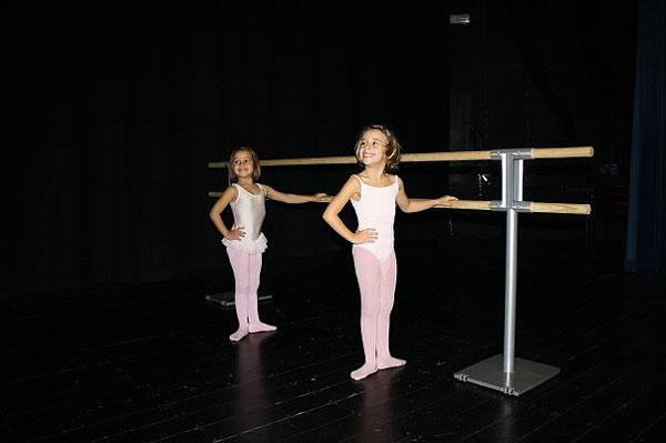 Prix sur demande for Hauteur barre danse classique