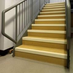 Prix sur demande - Nez de marche antiderapant escalier bois ...