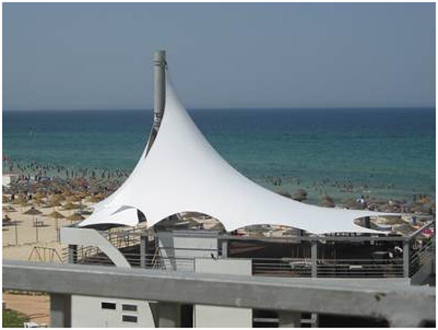 Couverture en métallo-textile pour terrasse et piscine ...