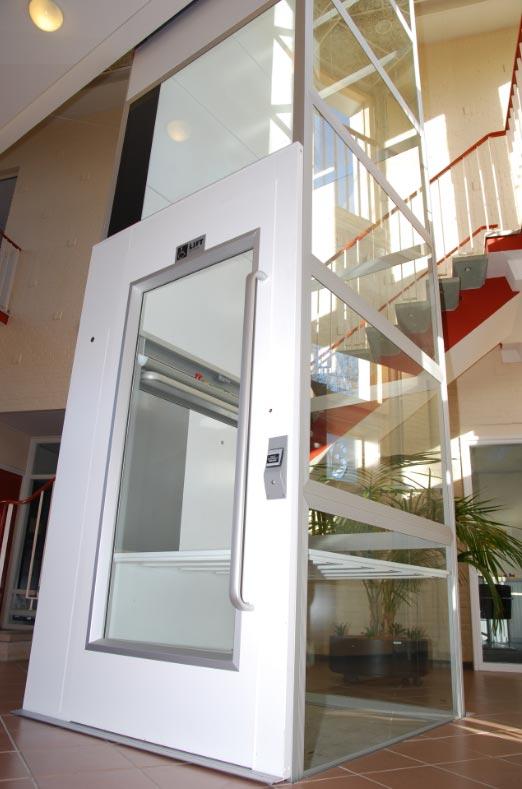 elevateur handicape electrique. Black Bedroom Furniture Sets. Home Design Ideas