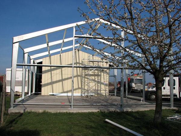 maison hangar metallique affordable prix garage frais. Black Bedroom Furniture Sets. Home Design Ideas