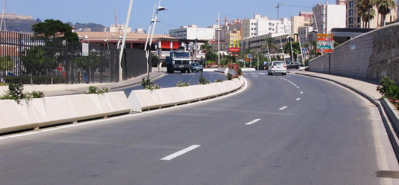 670 53 ht ajouter au panier port offerts livraison 2 4 for Jardiniere beton rectangulaire