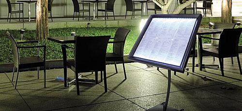 Table de restaurant for Affichage led exterieur