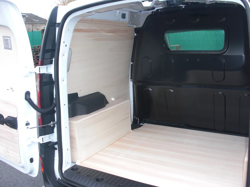 am nagement pour renault kangoo amenagement de v hicules utilitaires. Black Bedroom Furniture Sets. Home Design Ideas