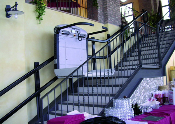 monte escalier monte handicape techni contact. Black Bedroom Furniture Sets. Home Design Ideas