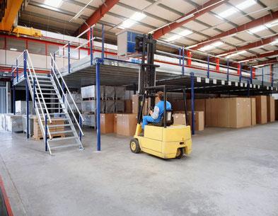 Standard ou sur-mesure, une plateforme de stockage présente de multiples avantages pour les entreprises industrielles