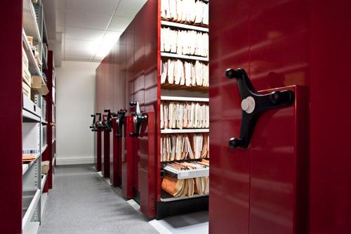 Rayonnages mobiles : la meilleure solution pour optimiser l'utilisation de l'espace de votre salle d'archives